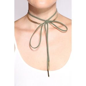 🆕 Wrap Around Choker - Olive Green